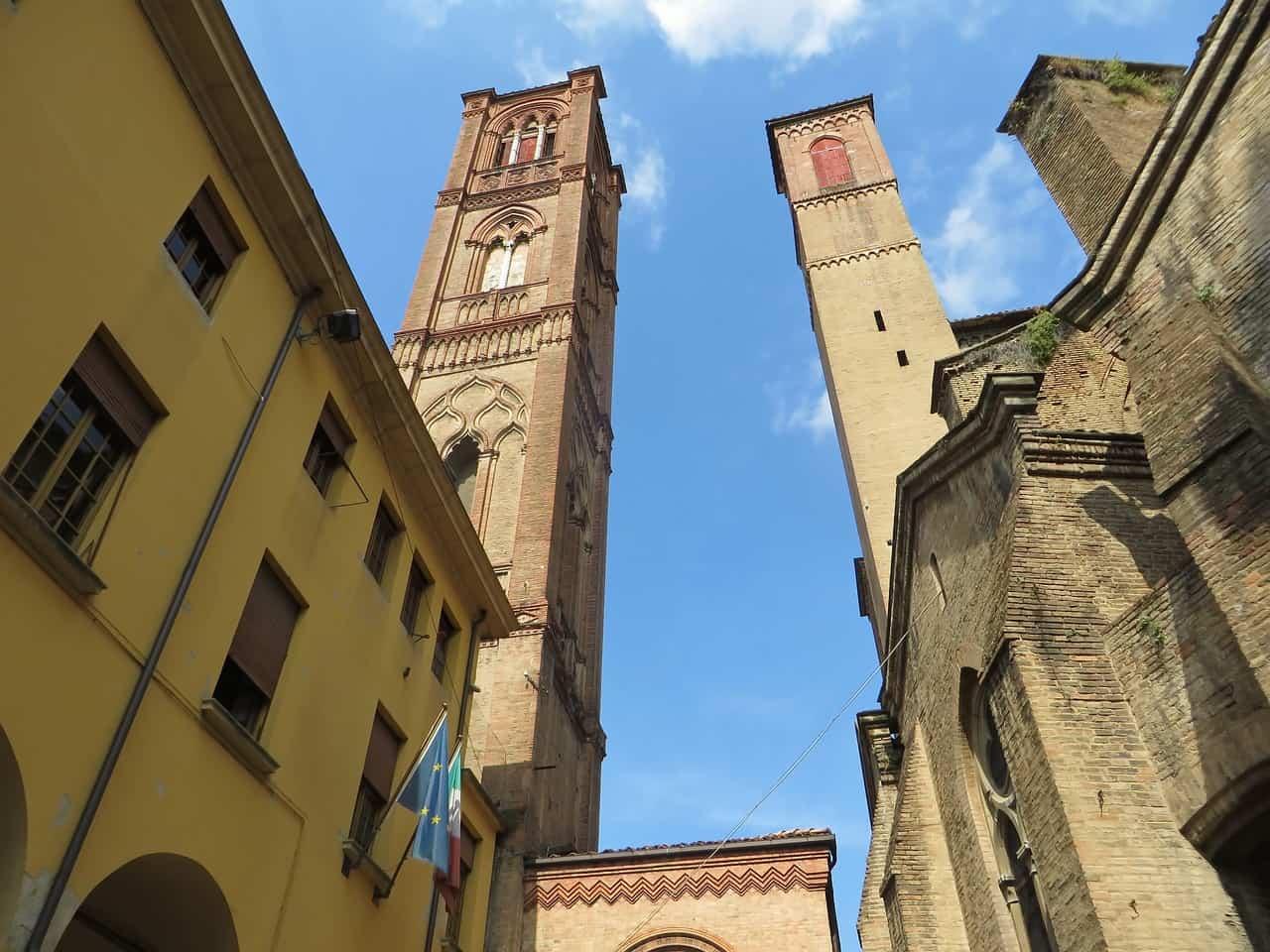 Bologna Két Torony